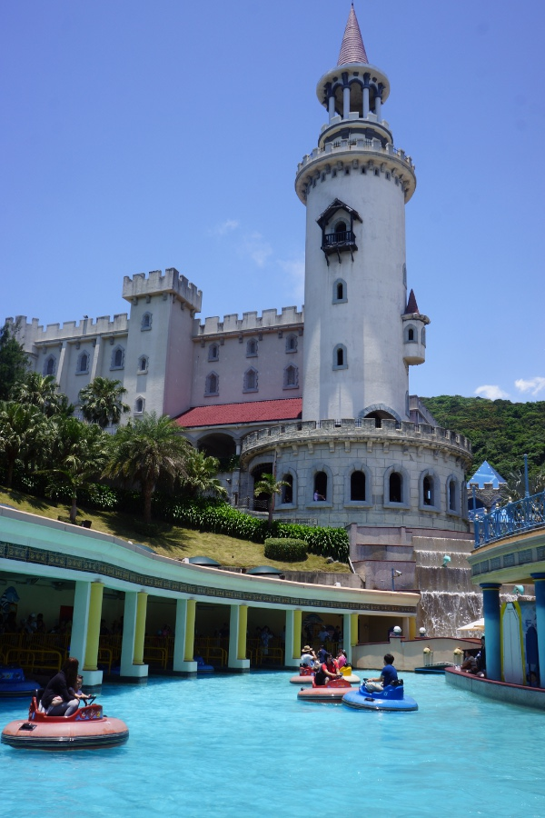 Enjoy all sorts of water-related leisure activities at Farglory Ocean Park 遠雄海洋公園 in Hualien.