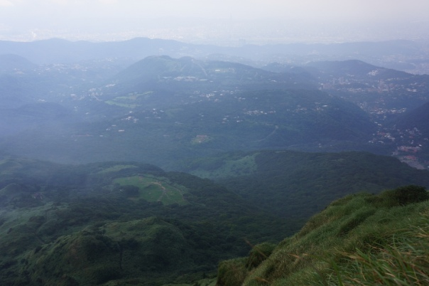 A somewhat clear view from one of Seven Star Mountain's 七星山 peaks.