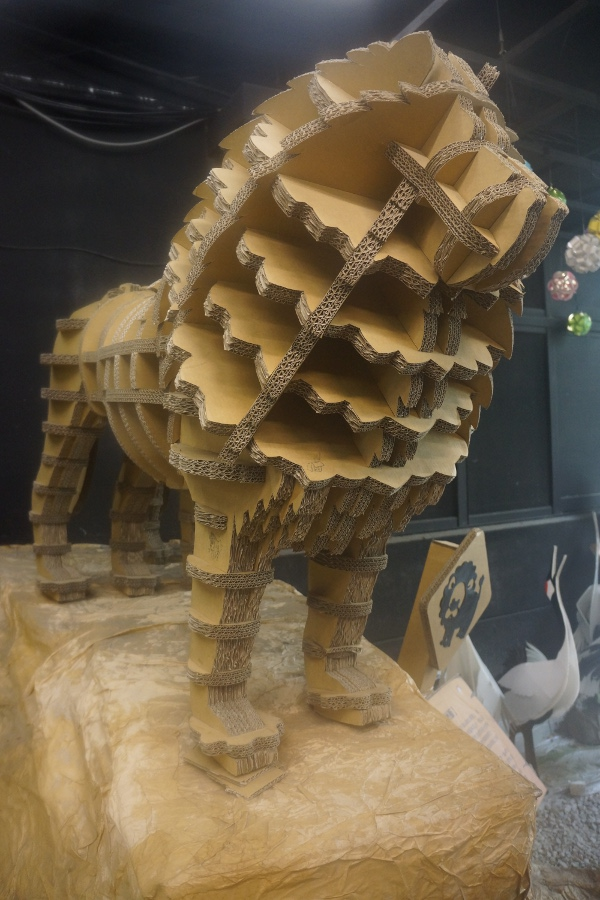 Cardboard lions are some of the many beige attractions at Carton King 紙箱王 in Taichung.