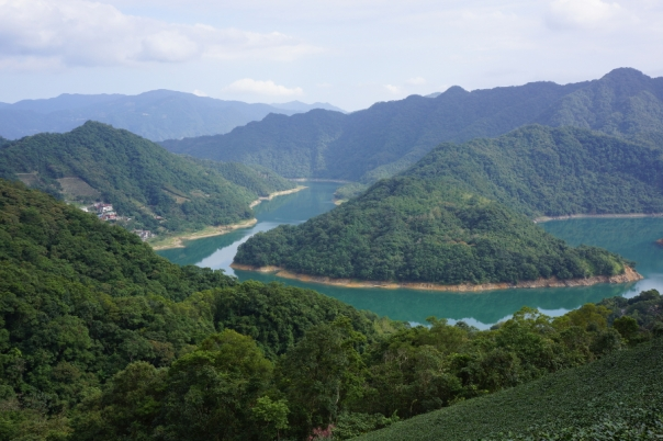 Though there are no islands or lakes, Thousand Island Lake 千島湖 in New Taipei City offers some great visuals.